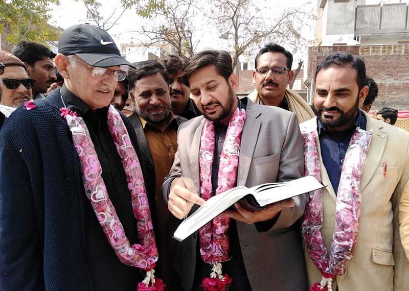 منہاج یوتھ لیگ کے زیراہتمام حافظ آباد میں شیخ الاسلام کی کتب کے اسٹال کا انعقاد