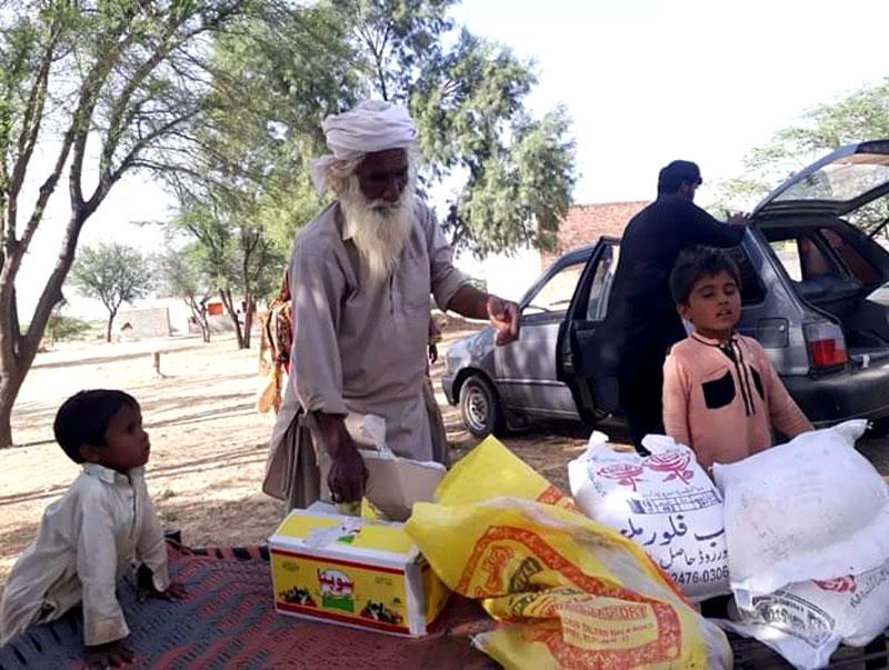 رحیم یار خان (ہیڈ کوارٹر): منہاج ویلفیئر فاؤنڈیشن کی جانب سے راشن پیکجز کی تقسیم
