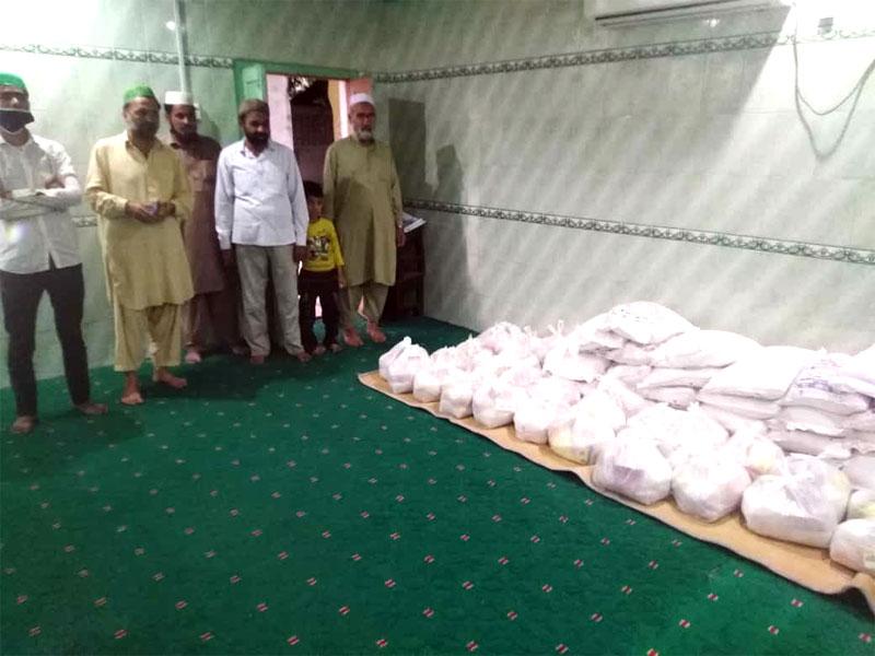 وزیرآباد (گوجرانوالہ): منہاج ویلفیئر فاؤنڈیشن کی جانب سے راشن پیکجز کی تقسیم