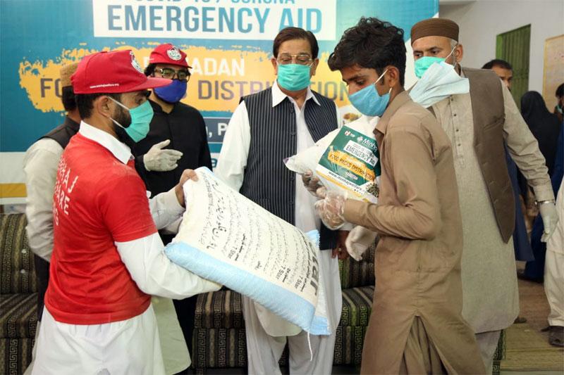 رحیم یار خان: منہاج ویلفیئر فاؤنڈیشن کی جانب سے راشن پیکجز کی تقسیم