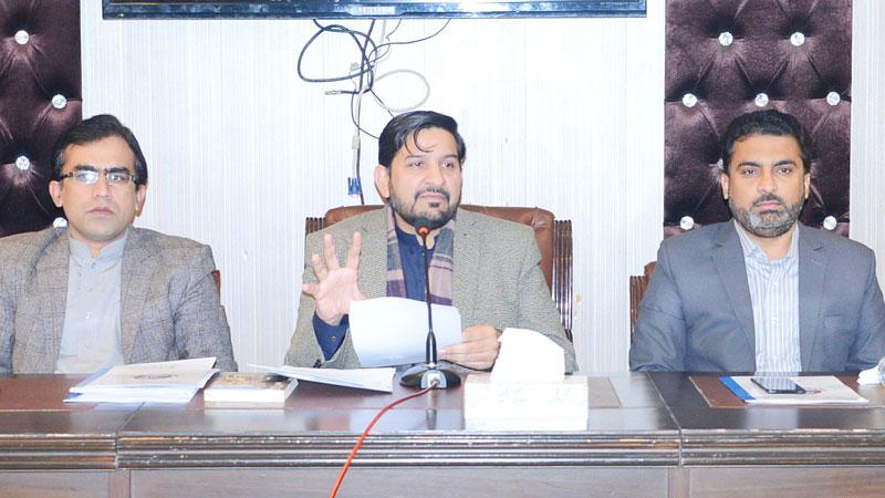 حکومت نوجوانوں کو پالیسی سازی کے عمل میں شامل کرے: مظہر محمود علوی