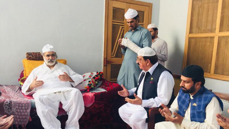 Khurram Nawaz Gandapur condoles with sons of Pir Khawaja Hameed-ud-Din Sialvi