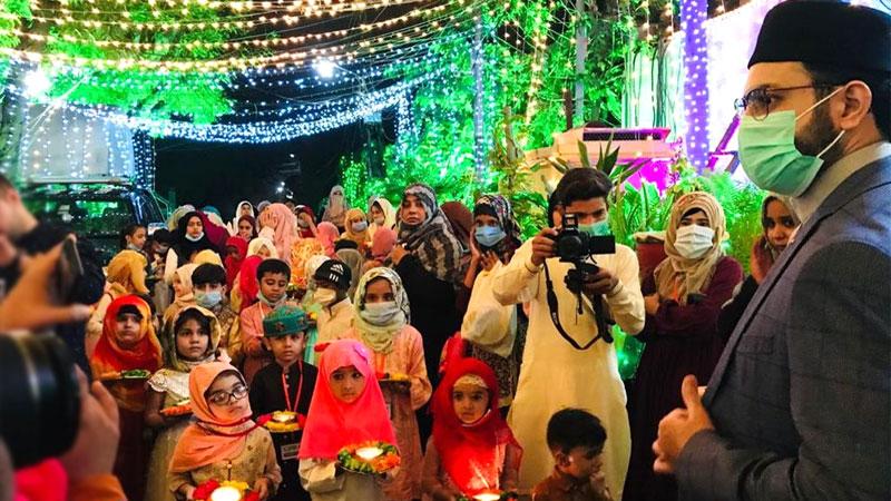 منہاج القرآن ویمن لیگ کے زیراہتمام بچوں کا استقبال ربیع الاول جلوس