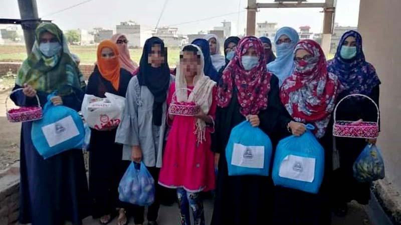 جہلم: ایم ایس ایم سسٹرز کی طرف سے اولڈ ہوم میں تحائف کی تقسیم