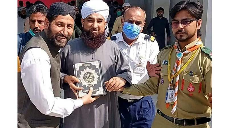 پاکستان عوامی تحریک کراچی لیبر ونگ کے صدر کی عالمی مبلغ ثاقب رضا مصطفائی سے ملاقات