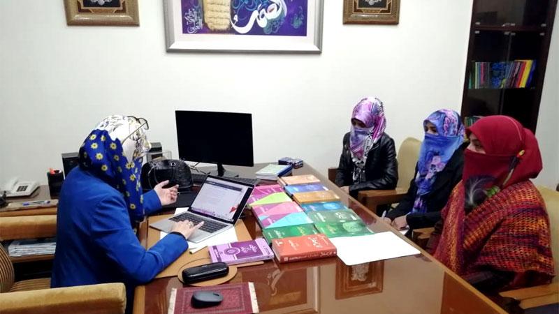 ڈاکٹر غزالہ حسن قادری سے فرید ملت ریسرچ انسٹی ٹیوٹ شعبہ خواتین کی میٹنگ