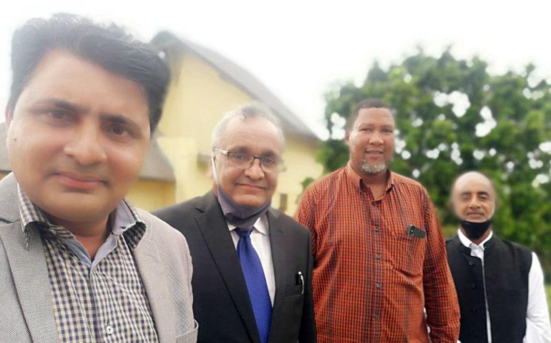 منہاج القرآن انٹرنیشنل جنوبی افریقہ کے عہدیداران کی چیف مانڈلا منڈیلا سے ملاقات