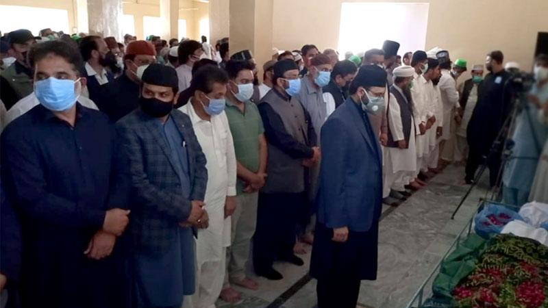 جھنگ: شیخ الاسلام ڈاکٹر محمد طاہرالقادری کی بڑی ہمشیرہ محترمہ کی نماز جنازہ ادا کر دی گئی