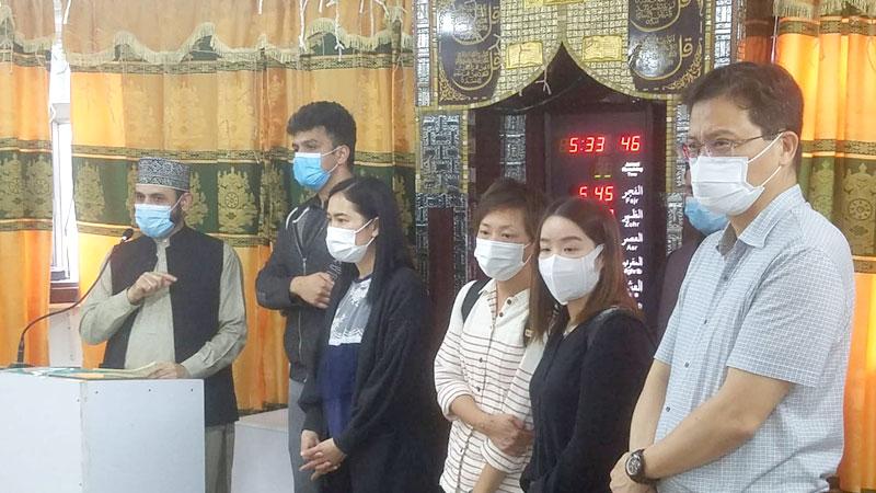 ہانگ کانگ: پولیس اور سوشل ورکرز کا منہاج اسلامک سنٹر کھوائی چنگ کا دورہ