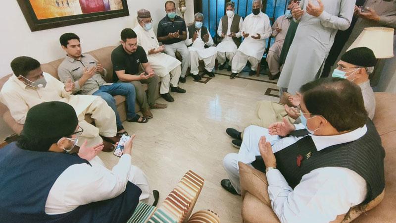 ڈاکٹر حسین محی الدین قادری کی پیر غالب پرویز لاہور ی (مرحوم) کے بیٹوں سے ملاقات
