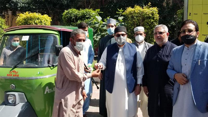 بے روزگار کو پاؤں پر کھڑا کرنا بہت بڑی انسانی خدمت ہے، ڈاکٹر حسین محی الدین قادری