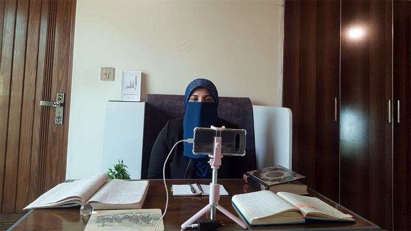 Mrs. Farah Naz speaks at a moot on post-Ramadan routine