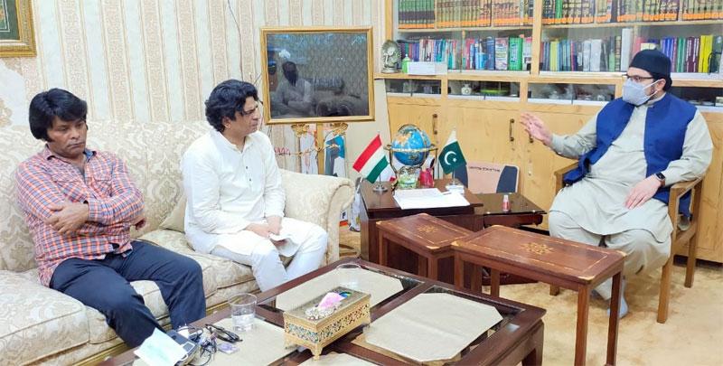 Senior TV artists Azhar Rangeela & Mobeen Gabol call on Dr Hussain Mohi-ud-Din Qadri