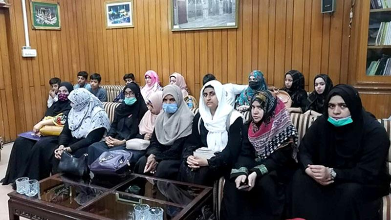 منہاج ویمن لیگ جلال پور اور دینہ کے وفود کا مرکزی سیکرٹریٹ کا دورہ