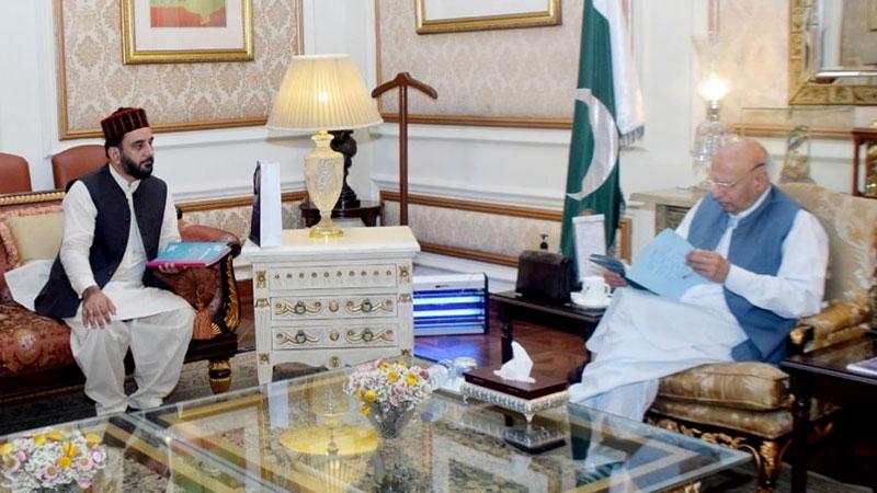 Allama Mir Asif Akbar called  on Chaudhry Muhammad Sarwar