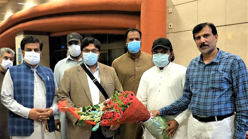 ڈاکٹر حسین محی الدین قادری دورہ یورپ سے وطن واپس پہنچ گئے