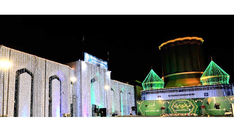 ماہ ربیع الاول کی آمد پر منہاج القرآن کے مرکزی سیکرٹریٹ پر چراغاں