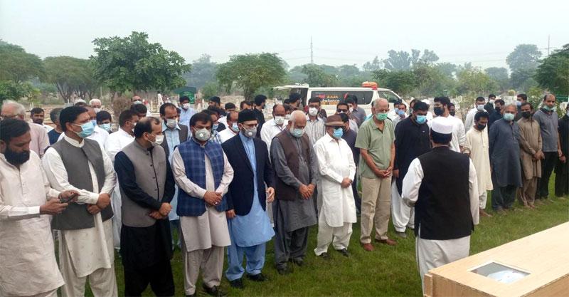 Shaykh-ul-Islam Dr Muhammad Tahir-ul-Qadri condoles with Birg. (r) Iqbal Ahmad over his wife's death